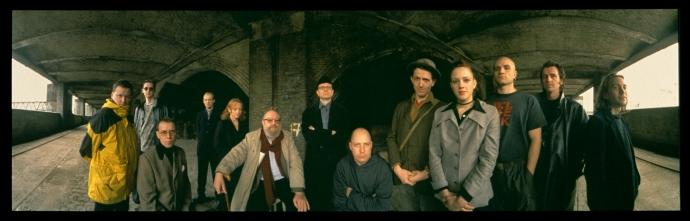 Panoramic Britpulp! shoot © Hugo Glendinning 1999